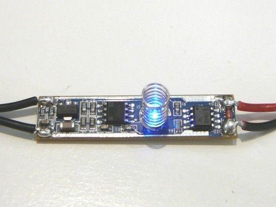 LED mikro dotykový ovladač-stmívač do ALU profilu 3A, 12-24Vss/36/72W