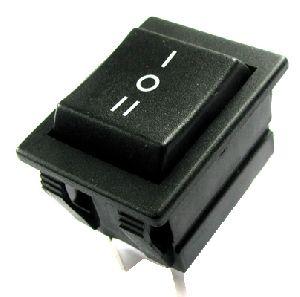 Přepínač-vypinač kolébkový C1570 3polohy ON-OFF-ON 250V/16A, 6pinů na fastony