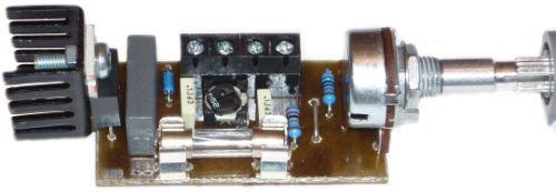 Triakový regulátor 230V/10A stavebnice (bez chlazení proud do 2 A), regulace 0-99% potenciometrem nastavení indukční zátěže, regulace motorků s komutátory a uhlíky, osvětlení, topení