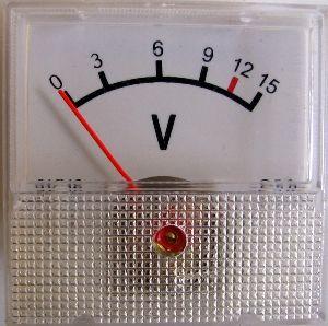 Panelové měřidlo R4545 30V ss, 2,5%