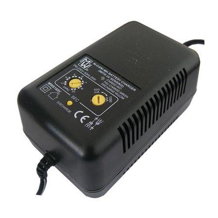 Nabíječka akumulátorů MW6168V Ni-Cd/Ni-Mh,  2.8 V (2 články), 5.6 V (4 čl.), 7 V (5 čl.), 8.4 V (6 čl.), 9.8 V (7 čl.), 11.2 V (8 čl.), 14 V (10 čl.)
