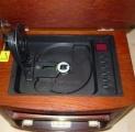Radio ROADSTAR HRA-1500MP RETRO, FM rádio tuner analogový, třešeň, s MP3/CD/CD-R/CD-RW přehrávačem, tuner AM/FM,  2 širokopásmové reproduktory, podsvícená stupnice stanic,  napájení 230V,  Vstup AUX-i