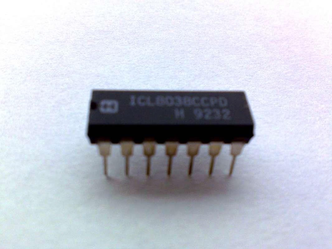 ICL8038 CCPD HARRIS