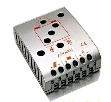 Solární regulátor pro 12V/24V panely do 55W 5A