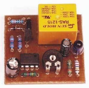Stavebnice soumrakový spínač s relé 230V/5A, fototranzistor napájení 8V až 12V SS,
