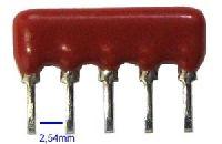 Rezistorová síť se společným vývodem 5 pinů / 4 rezistory