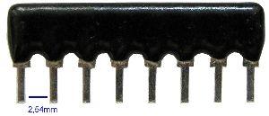 SIL8-4x4k7 rezistorová síť, samostatné rezistory.