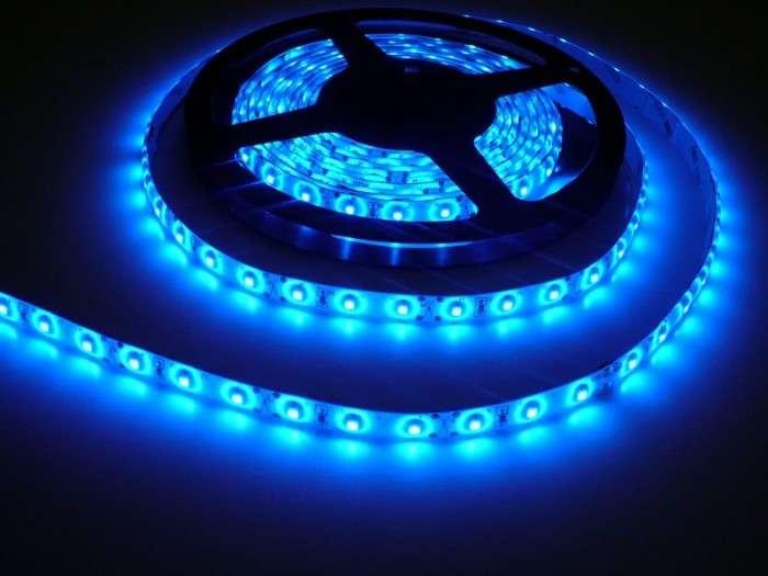 LED pásek vnitřní samolepící SQ300 12V  60LED/m 4,8W/m barva modrá cena za 1m