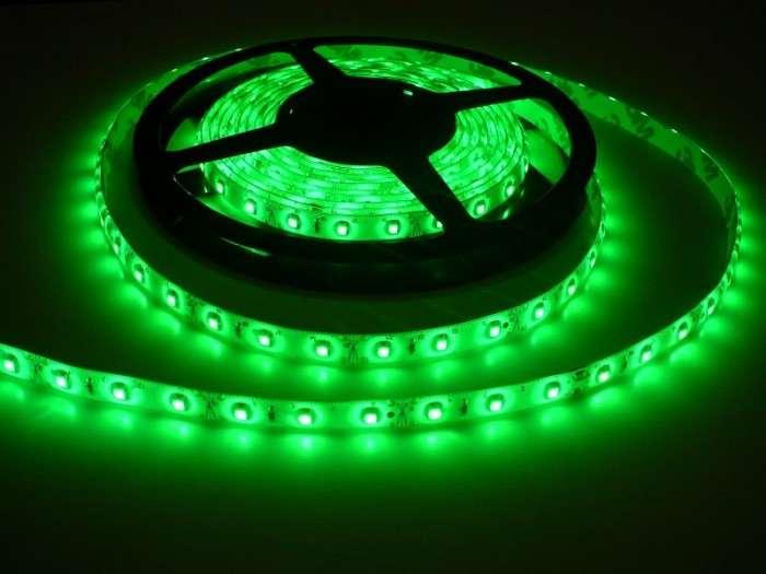 LED pásek vnitřní voděodolný IP55 samolepící W300 12V 60LED/m 4,8W/m barva zelená cena za 1m